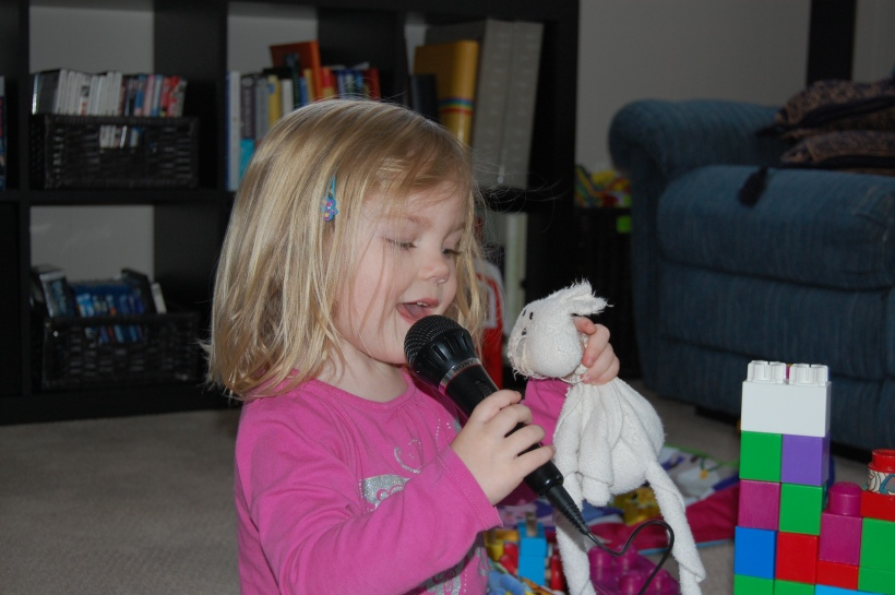 Sophia singing to Haddy